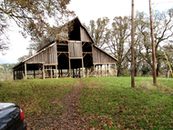 Bald_hill_barn